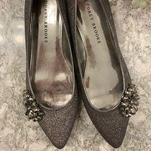 Audrey Brooke Flat/Heel Size 10
